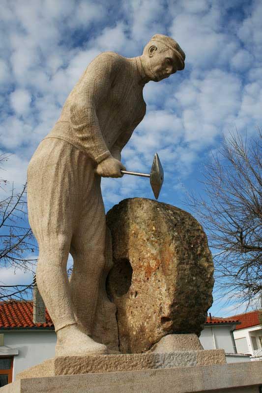 Λιθοξόος άγαλμα | Πετρωτά Έβρου